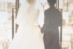 現代の結婚式事情①~入籍だけ?式を挙げる?~